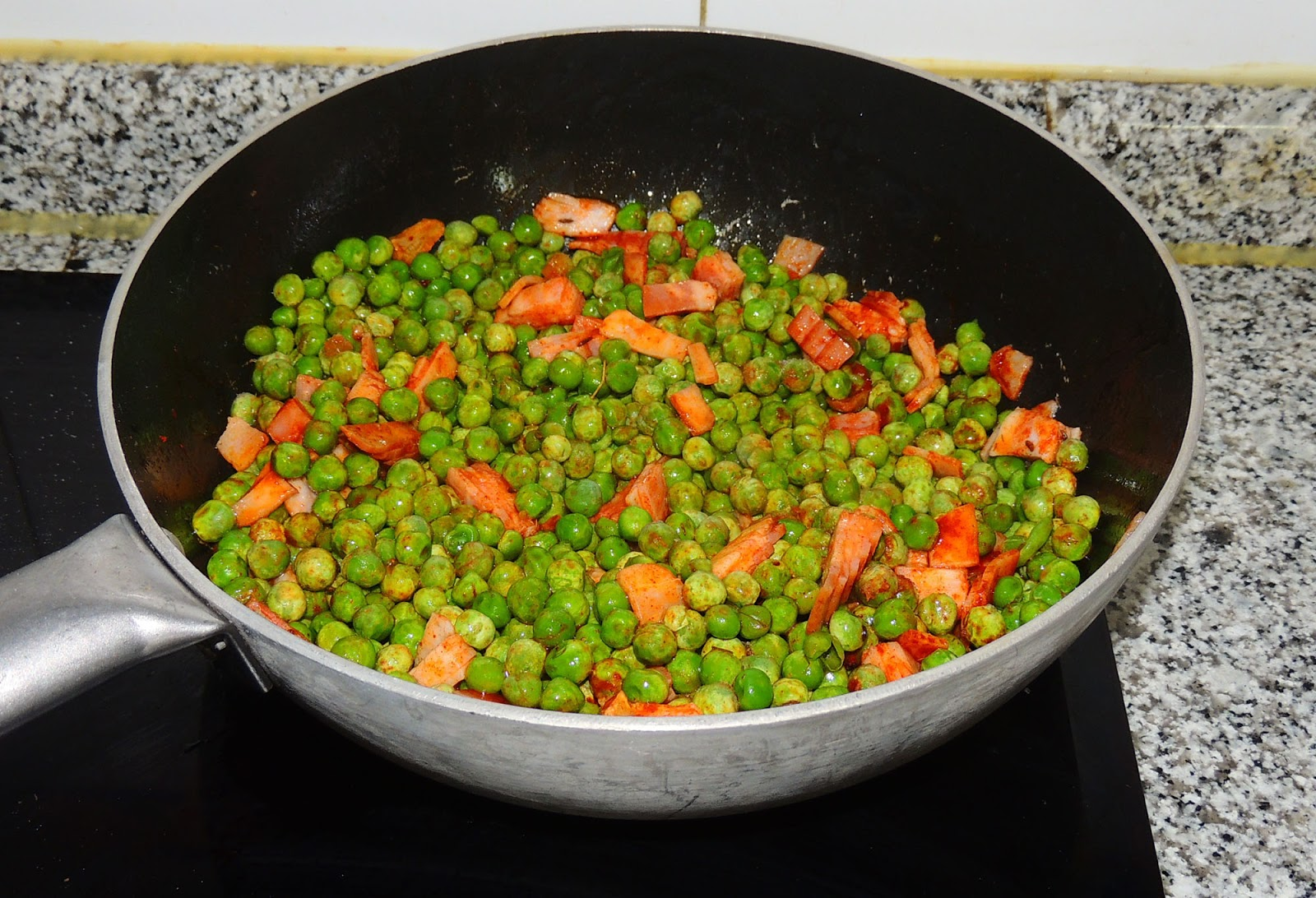 Cocinando en altorreal guisantes con bacon y piment n for Cocinar guisantes congelados