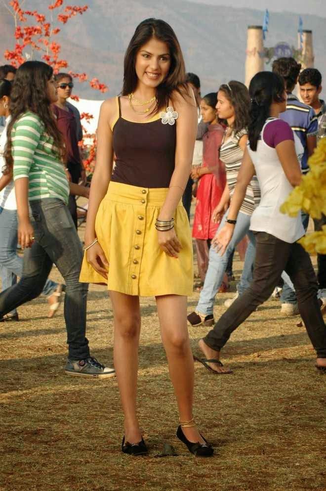Rhea Chakraborty Biography and Mini Skirt Photos