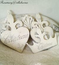 Chippy Fleur de lis Signs