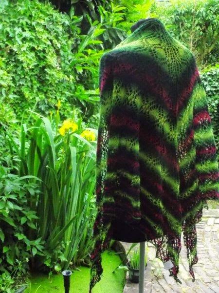 TE KOOP: wollen shawl. diverse tinten.