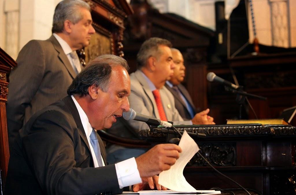 Pezão pede empenho a deputados para enfrentar crise da água no Estado do Rio