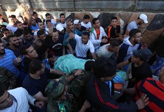 Palestino é morto após lançar pedras contra polícia israelenses