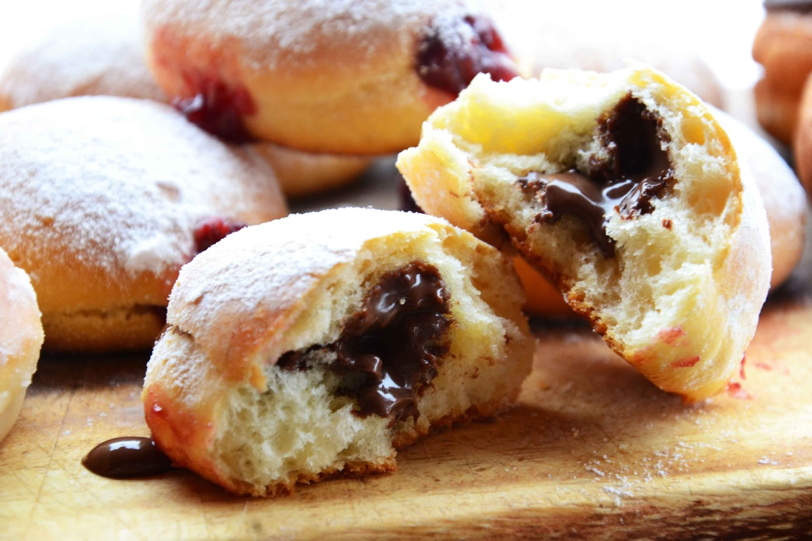 The eccentric Cook: Nutella stuffed baked Doughnuts