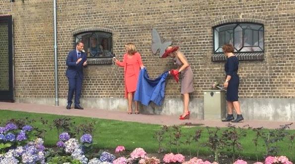 Queen Maxima Opened Leontienhuis In Zevenhuizen