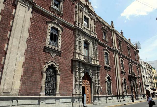 Aparecidos y consejas populares, Ciudad de México