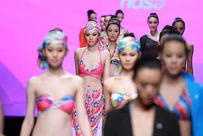 Fashion Swimwear on Beauty Fesyen2u  Chinese Fashion House Hosa Cup Swimwear S 2011