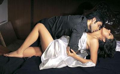 Hot Love Kiss Wallpaper Free : Hot Kiss - Hot Kiss Wallpapers - Hot Kisses - Fun Maza With Hot