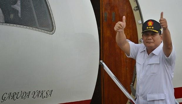 prabowo dengan pesawat pribadinya