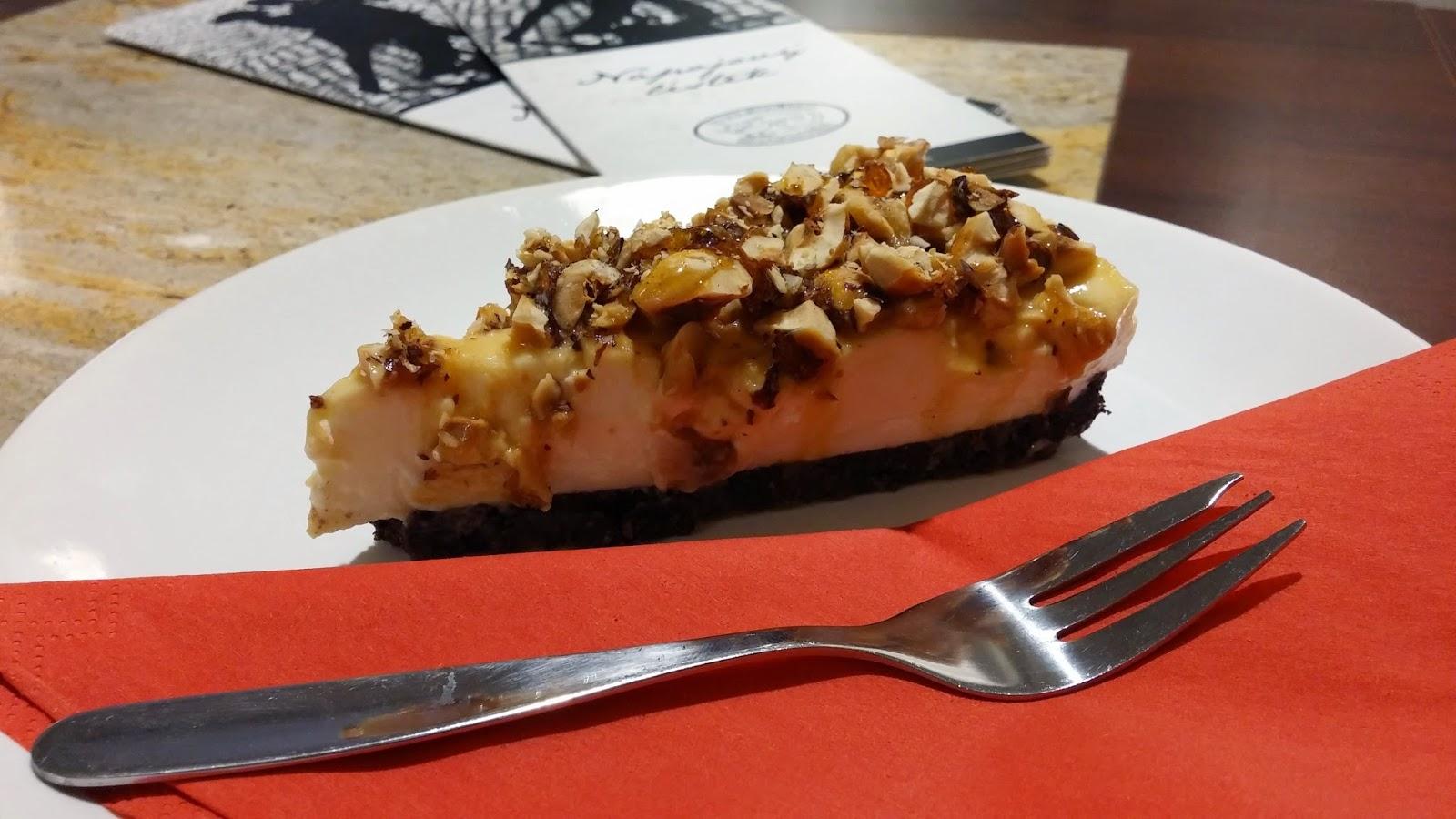 Cheesecake v kavárně U Mlsného kocoura