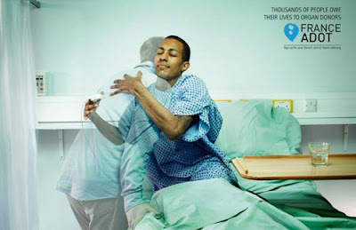 Publicidad abrazo a donante de organos