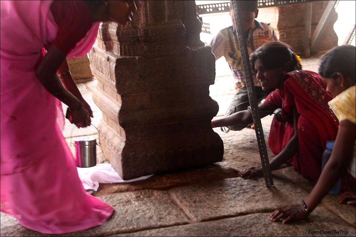 Proof - Hanging pillar, Lepakshi