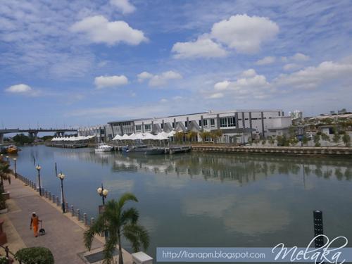 Melaka Bandaraya Bersejarah, Tempat menarik di Melaka, Aktiviti yang boleh dibuat di Melaka, Pemandangan bandaraya hilir melaka, Poskad Tempat Menarik Di Malaysia, Poskad Bandar Melaka, Malacca Malaysia