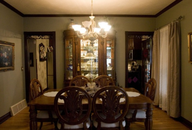 Type Victorian Home Dining Room Interior | VAKAKAS