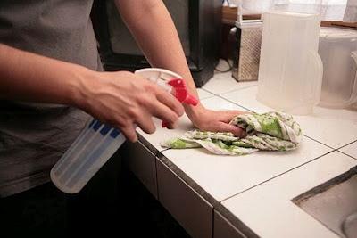 Desinfectante casero para baño y cocina