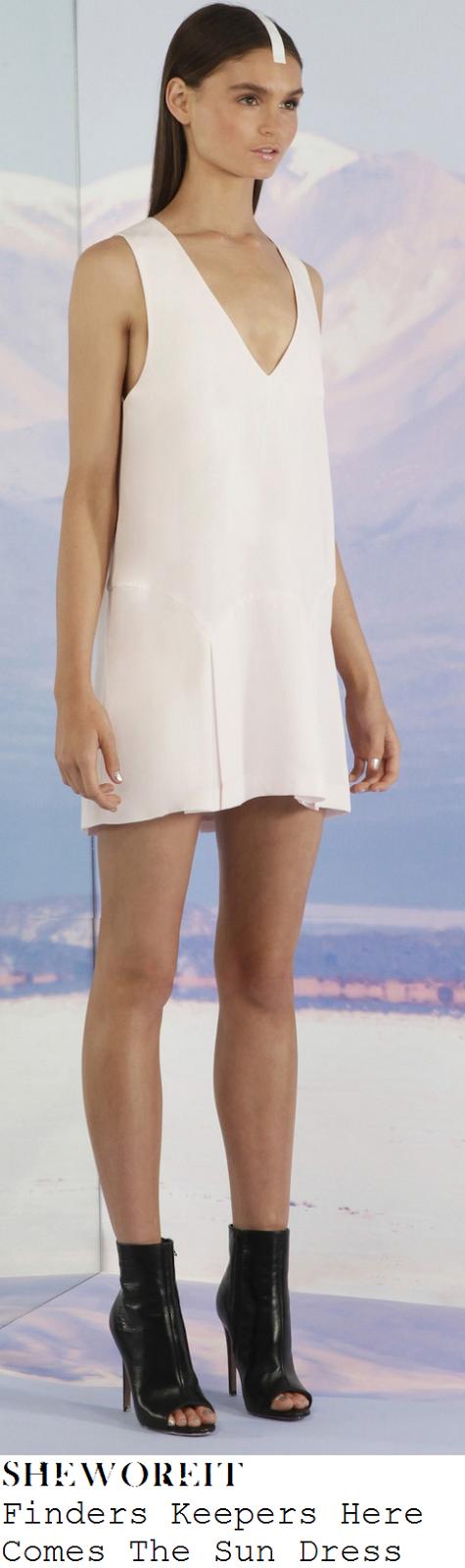 lauren-pope-nude-pink-cream-sleeveless-deep-v-neckline-pleated-mini-dress