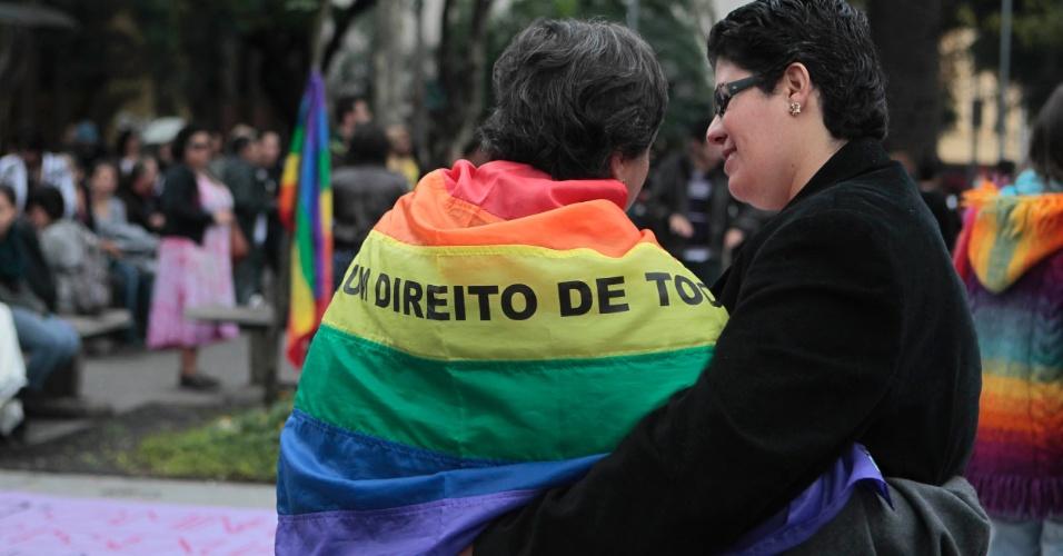 A 10ª Caminhada de Lésbicas e Bissexuais partiu da praça Oswaldo Cruz, no bairro do Paraíso (em São Paulo), às 12h e tem como objetivo chegar até a praça do Ciclista, perto da rua da Consolação (Foto: Fernando Donasci)