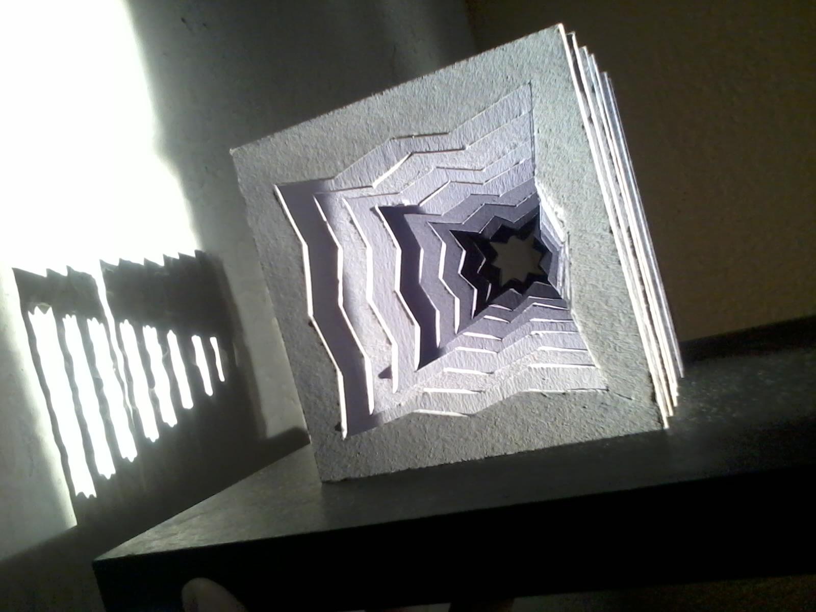 Tridimensional cubo con planos seriados for Como se hace un plano arquitectonico