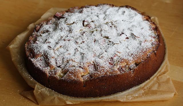 banalne i szybkie go wykonania ciasto ucierane z owocami