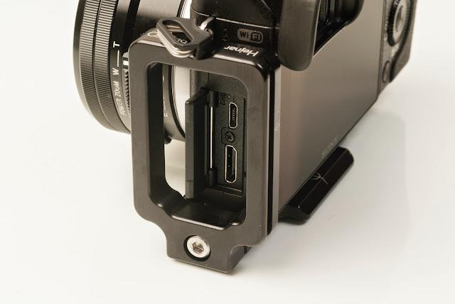 Sony NEX-6 modular L bracket Side - connector ports