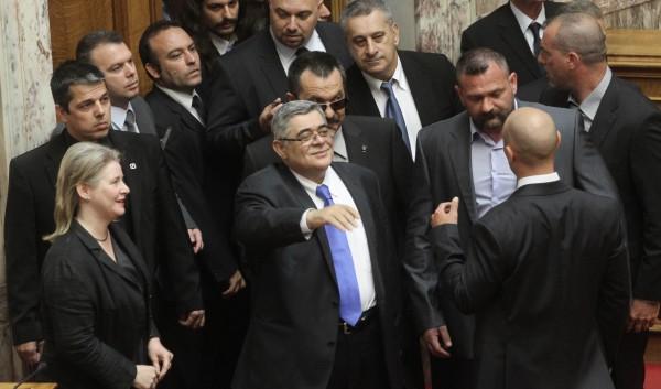 Φωτορεπορτάζ από την Ιστορική ημέρα ορκομωσίας της ΧΡΥΣΗΣ ΑΥΓΗΣ στην Βουλή των Ελλήνων