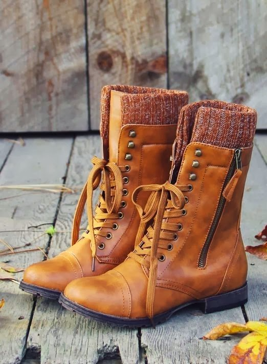 Gorgeous brownish laces and side zip boots