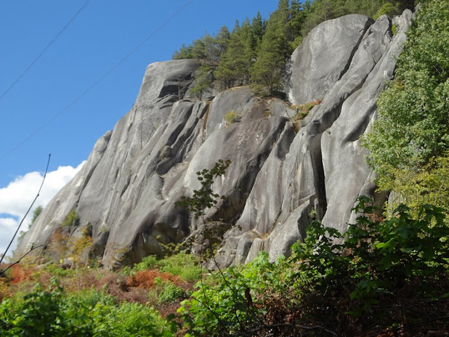 Rock climbing wall, Smoke Bluffs, Squamish
