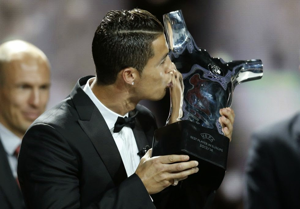 UEFA BEST PLAYER 2013-2014 AWARD