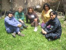 La Hna. Chabuca y sus alumnas