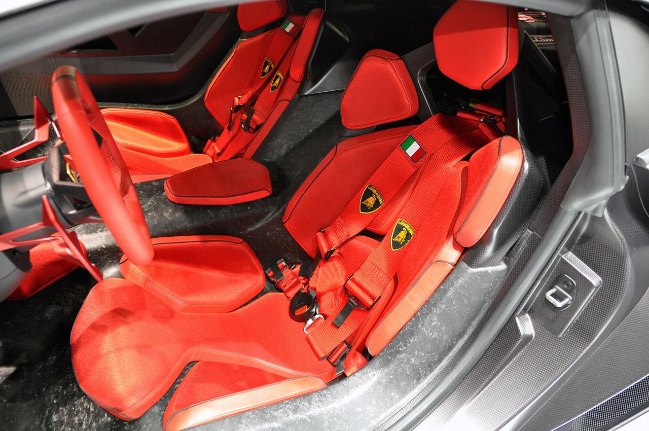 http://1.bp.blogspot.com/-_mFEhdDitJk/Tcs-L9SnF1I/AAAAAAAAAzc/d7E90MjRL9Y/s1600/Lamborghini-Sesto-Elemento4.jpg