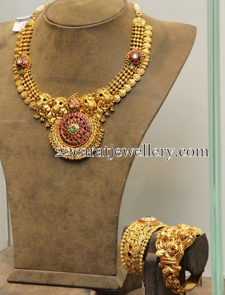 Gold Necklace Nakshi Bangles