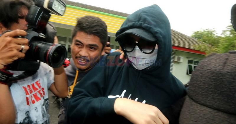 Gelar Putri Indonesia 2014 Puty Revita Dicopot