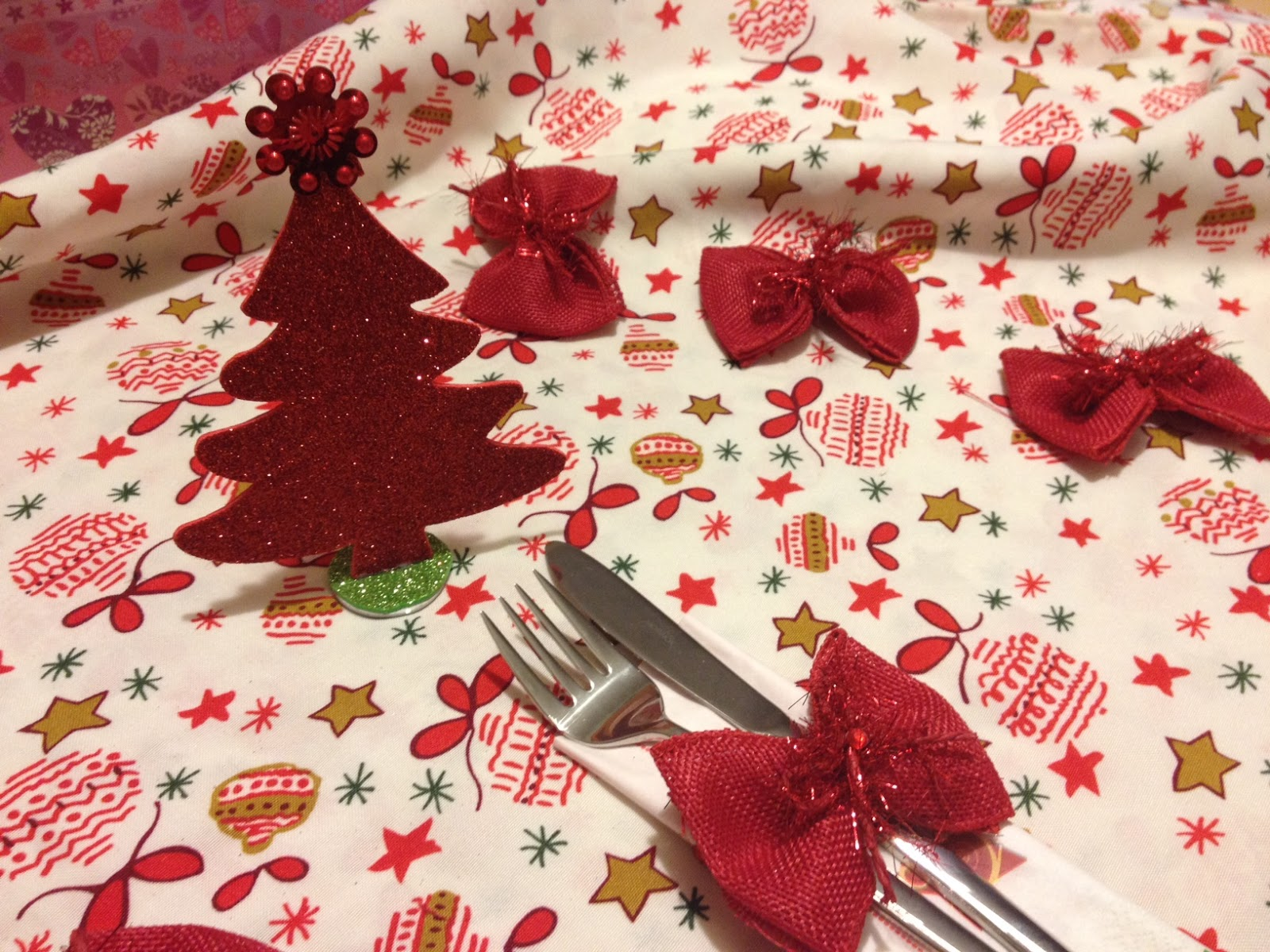 Decorazioni natalizie per la tavola kevitafarelamamma - Addobbi natalizi per tavola da pranzo ...