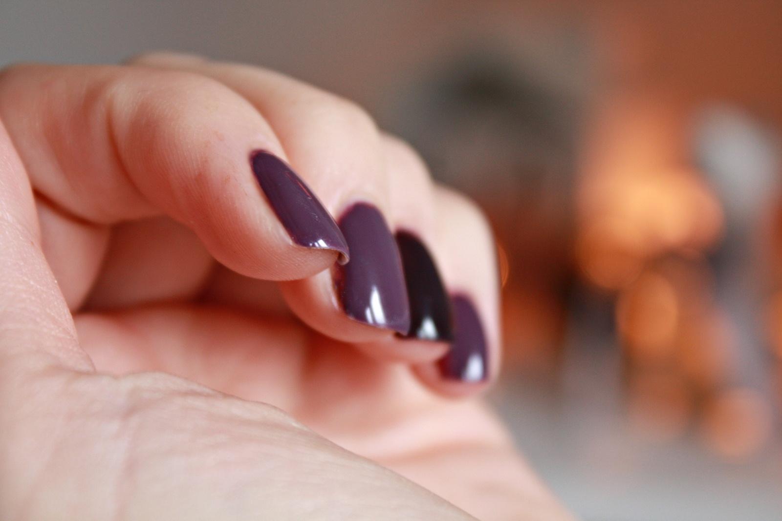 Lakier hybrydowy Semilac Dark Violet Dream