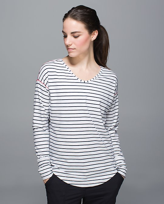 lululemon-navy-stripe- weekend-ls