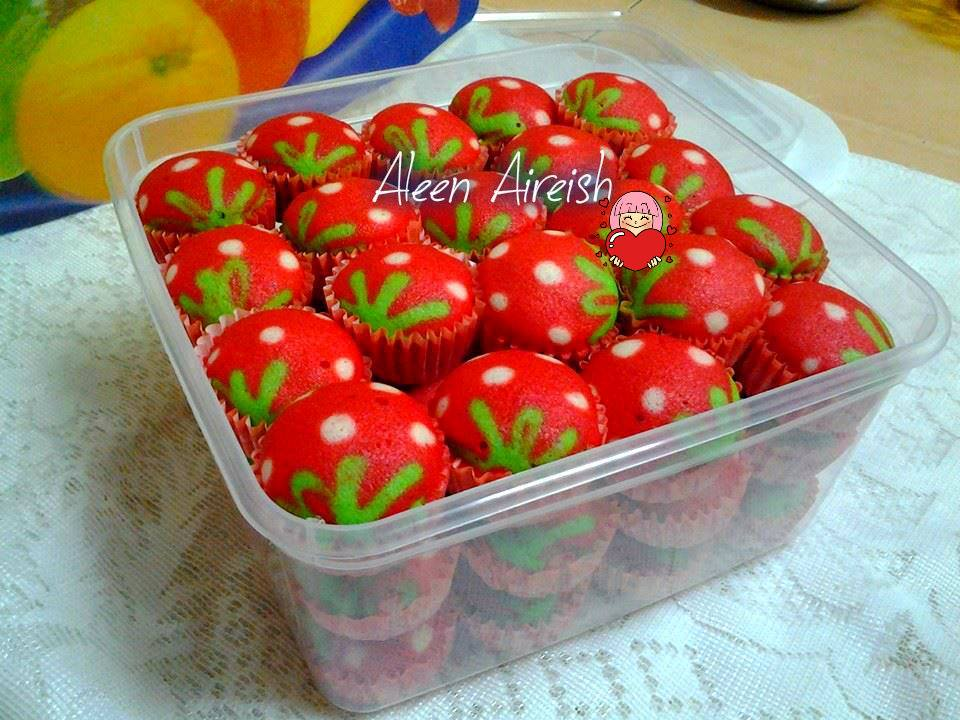 Apam Polkadot Strawberry