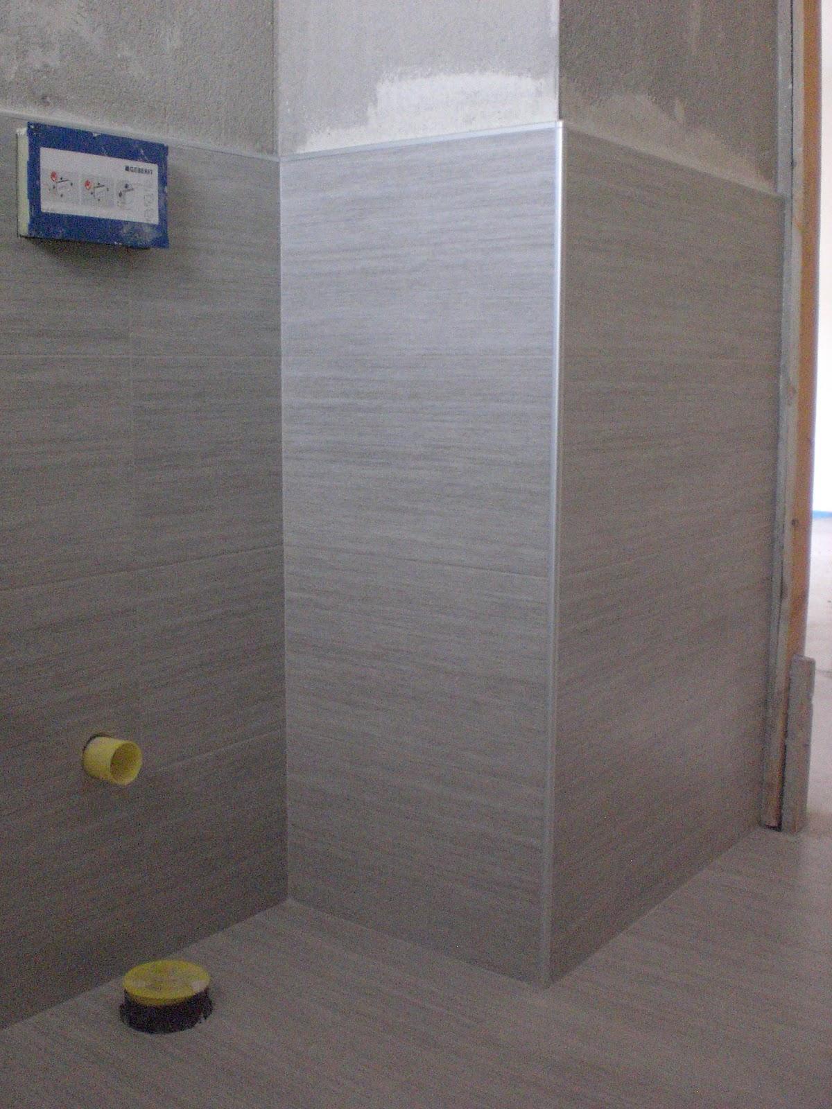 Bagno in mosaico grigio gabbatore mattia - Sigillare fughe piastrelle doccia ...