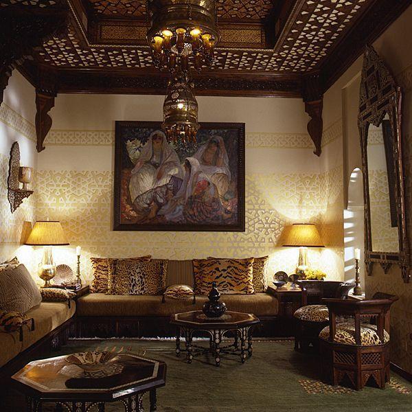 Genial Burlesque Gallery And Interior Design