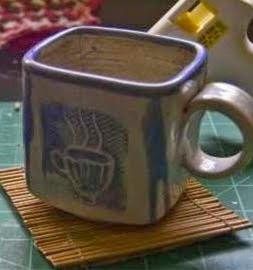 http://manualidadesreciclables.com/15557/hacer-posa-vasos-de-bambu