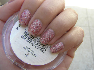 Close up on the nail polish without the sunlight