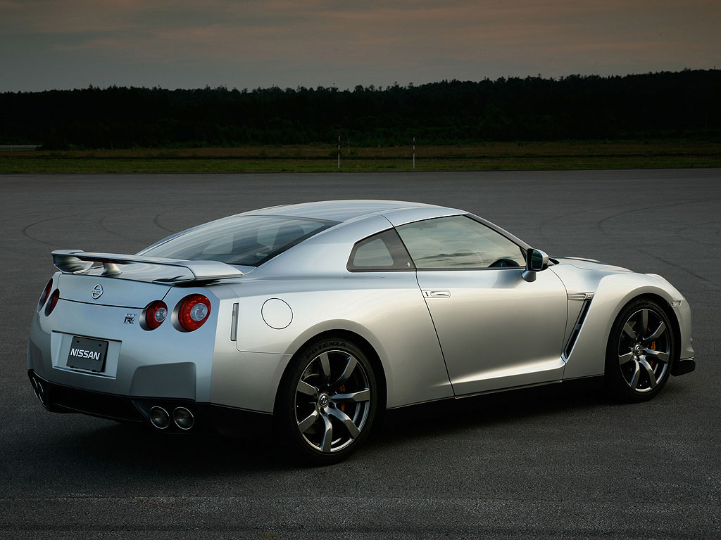 Sports Car World    Meet Your Desires  Nissan GT