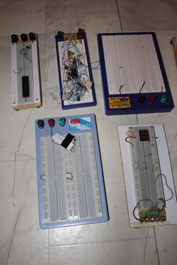 elektronikplattor att testa sina ideér på. SÄljes!