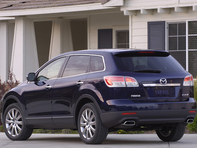 Back picture of new SUV Mazda CX-9