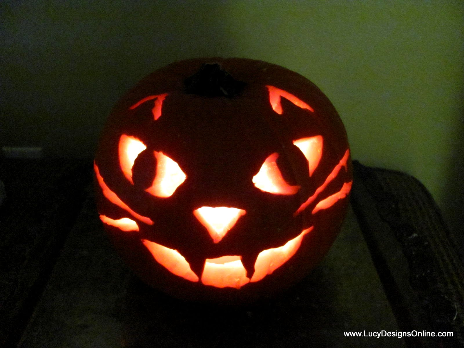 Cat face pumpkin quick and easy carving with rotozip