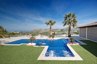 piscina+infinity+azul Colores de agua de piscina.