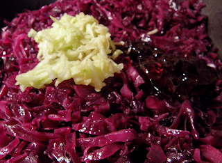 Braised Cabbage with Stacks of Shredded Apple and Jelly