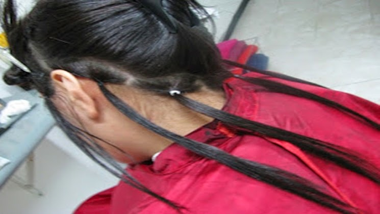 separando el cabello