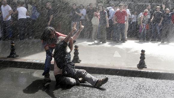 """Μαρτυρία από την εξεγερμένη πλατεία Ταξίμ: """"Εμπνεόμαστε από την Ελλάδα"""""""