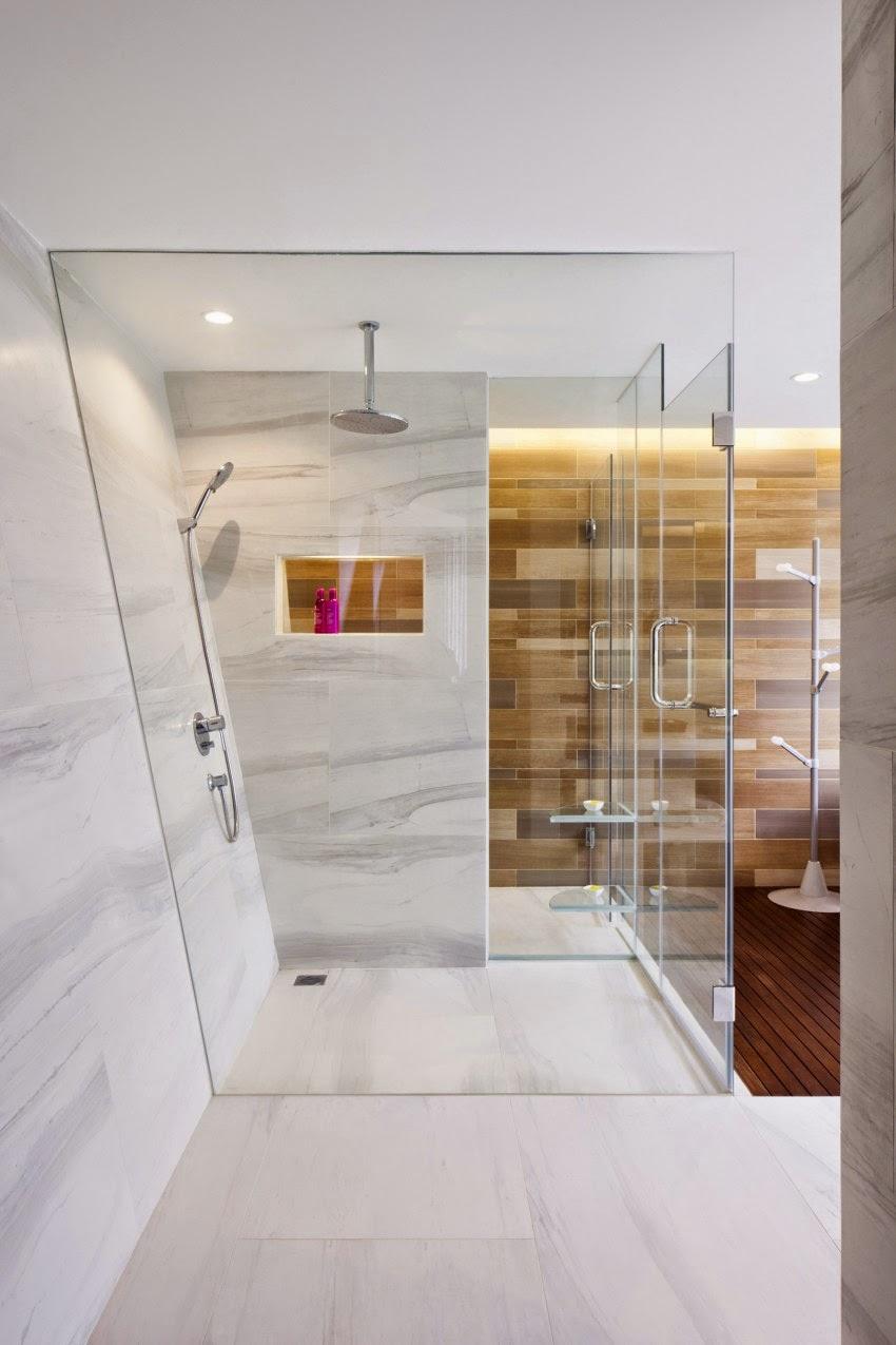 Kính cường lực bao bọc không gian tắm vòi sen