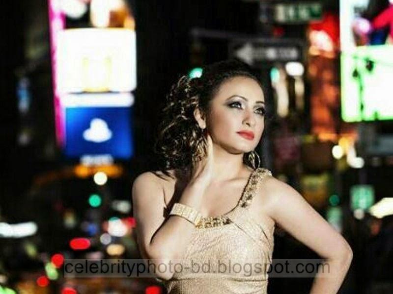 Sumaiya+Jafar+Suzena's+New+HD+Photos+In+Skirt+and+Jeans Tops+Dress001