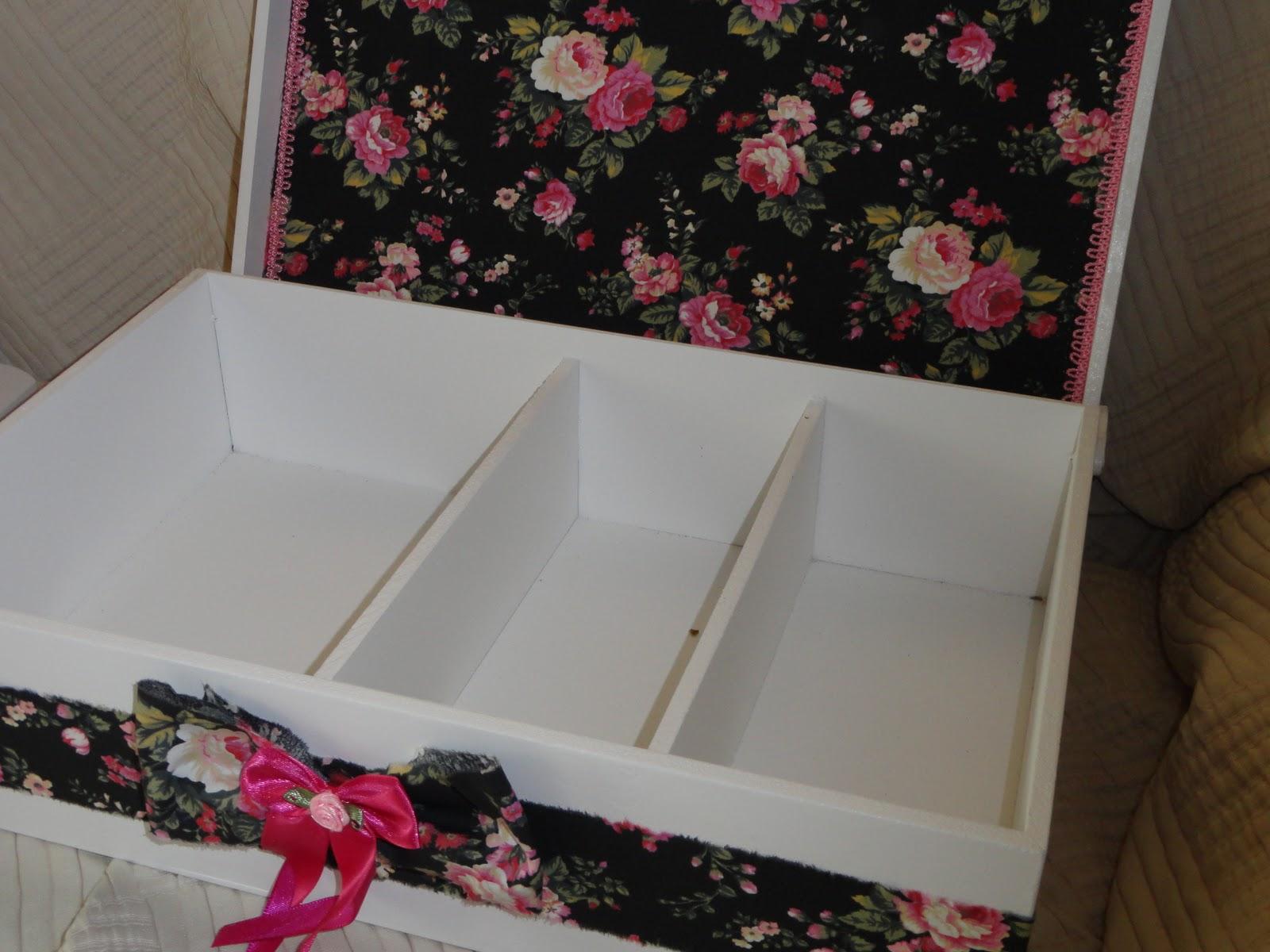 Criando Coisas: Caixa de madeira para casamento (banheiro) #752D37 1600x1200